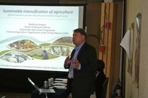国際連合食糧農業機関のMatthiasさんからは、食糧安全保障と環境保全についてコメントがありました。