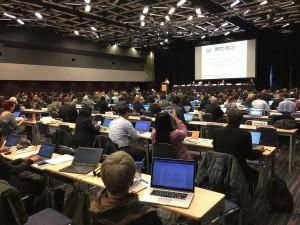 SBSTTA21開会式の様子。今回はパレ・ドゥ・コングレ(国際会議場)での開催です